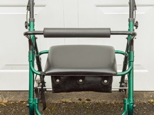 Second hand 4-wheeled rollator for sale